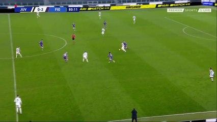 Martin Caceres ấn định tỉ số 3-0 cho Fiorentina