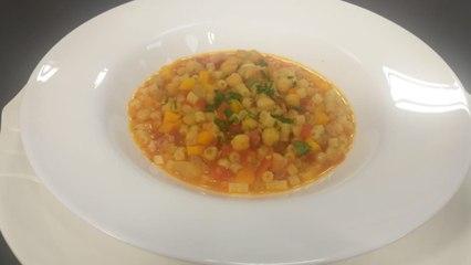 Supë me makarona dhe qiqra nga zonja Vjollca