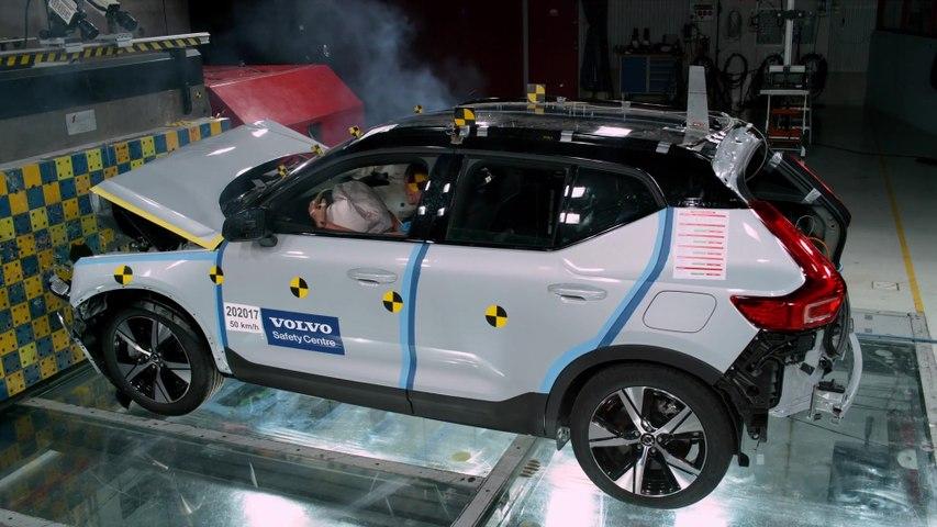 Volvo XC40 Recharge P8 Crash Test Front collision