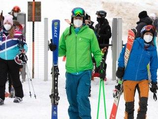 Ski an, Maske auf: Skigebiete in Österreich haben geöffnet