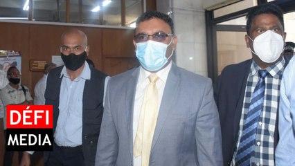 Private Prosecution : le ministre Sawmynaden est arrivé au tribunal de Port-Louis