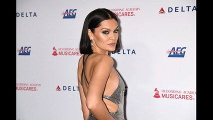 Jessie J Left Temporarily Deaf and Unable to Walk From Meniere's Disease