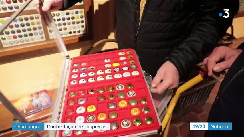 Marne : à la rencontre des placomusophiles, les collectionneurs de capsules de champagne