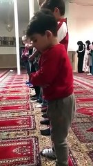 Incase if your day is going bad then here is this video of A very beautiful Worshiper -MaSha Allah