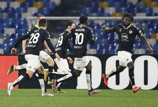 Serie A : Le hold-up de la Spezia à Naples