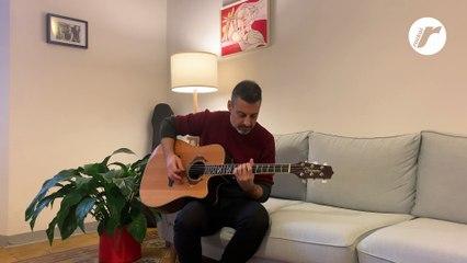 """Max Elli canta e suona """"Vivere o morire"""" per Rockol"""