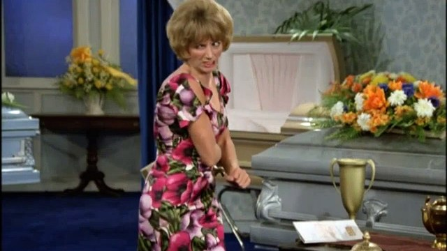 Laverne and Shirley Season 3 Episode 13 The Mortician