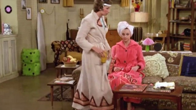 Laverne and Shirley Season 2 Episode 22 Lonely at the Middle