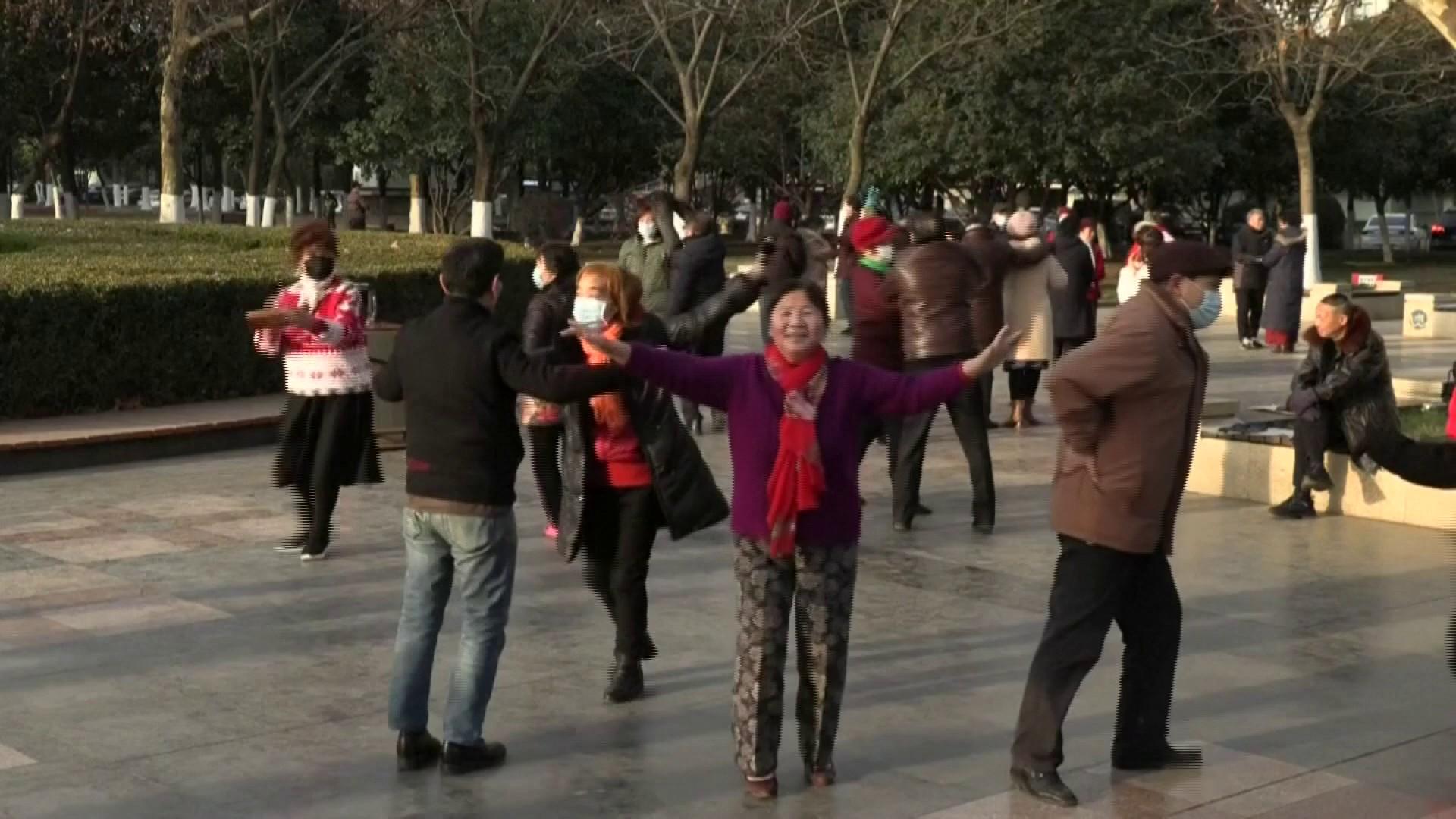 Chine: Un an près le premier mort du Coronavirus, Wuhan danse à nouveau