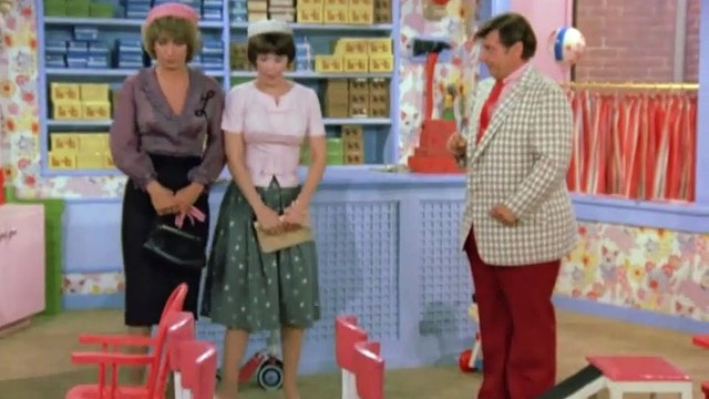 Laverne and Shirley Season 3 Episode 06 An Affair to Forget   Pt1