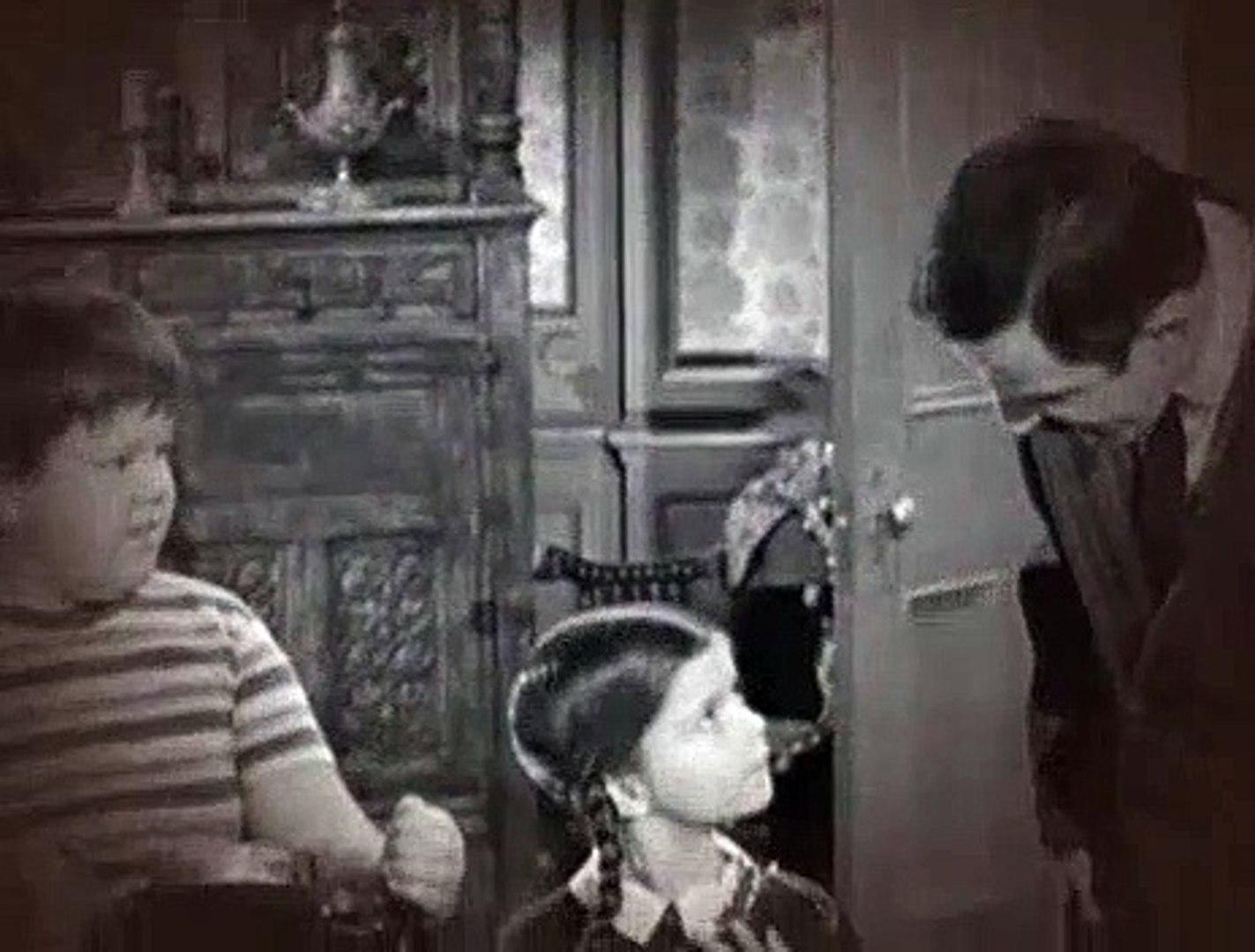 Addams Family S01E22 Amnesia in the Addams Family
