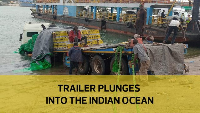 Trailer plunges into the Indian Ocean
