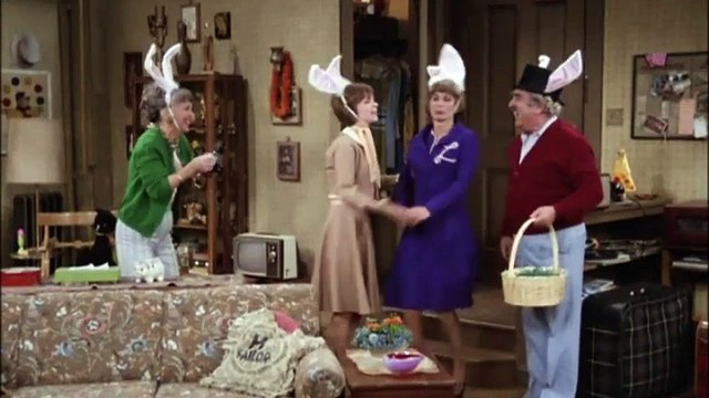 Laverne and Shirley Season 5 Episode 19 Murder on the Moosejaw Express   Pt1
