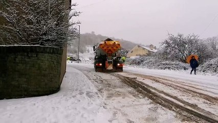 Gritter skids out of control in Elland