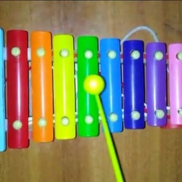 How to play Twinkle Twinkle Little Star on a Xylophone - Easy Songs - Tutorial.