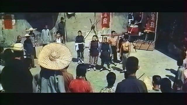 Wu Tang Collection -  La Reine du karaté (Kung Fu Mama) (English  Captions part 1/2