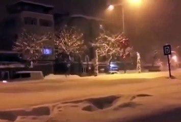 Kar yağınca İzmir ve İstanbullular