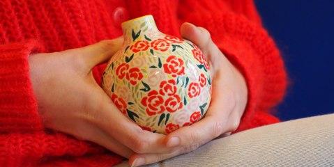 Tutoriel pour décorer un vase avec des motifs fleuris