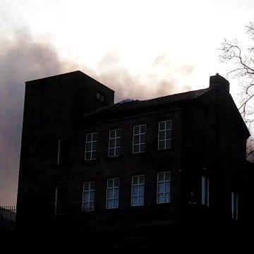 Fire at Bradford school (video: Glynn Beck)