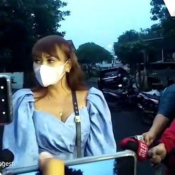 Sahabat Ungkap Kalina Oktarani Terus Menangis Dilamar Vicky Prasetyo