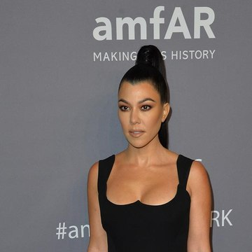 Kourtney Kardashian romancing Travis Barker?