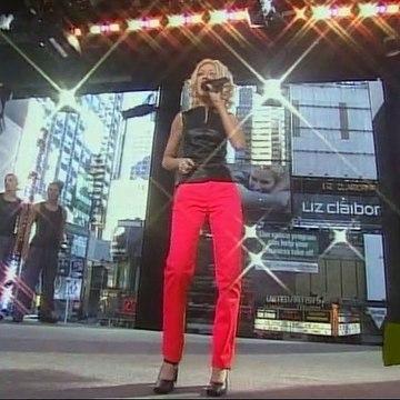 Christina Aguilera - Genie in a Bottle (Live @ MTV TRL 1999)