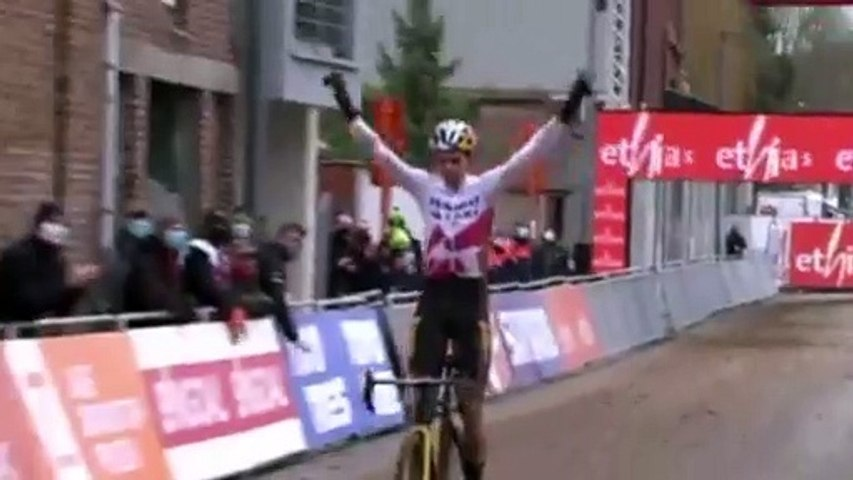 Cyclo-cross - World Cup 2020-2021 - Wout Van Aert wins in Overijse and the overall