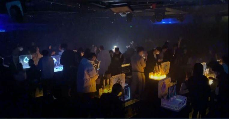 Regresan las fiestas a Wuhan, mientras el mundo continúa luchando contra el coronavirus