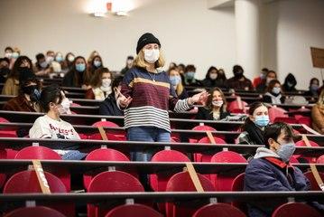 VIDEO. Tours: un retour temporaire sur les bancs de la fac