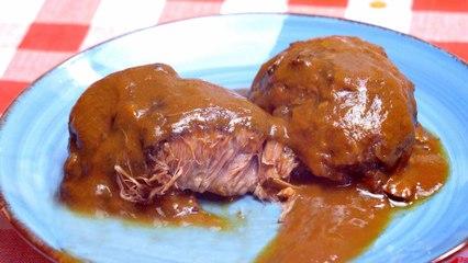 ¡Esta carne queda tan TIERNA que se DESHACE en la boca! Carrilleras en salsa de vino tinto