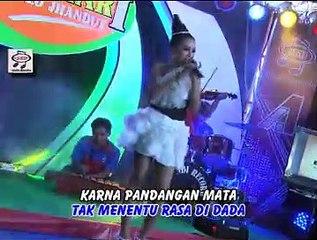 Elsa Safira - Saat Jumpa Pertama [Official Music Video]