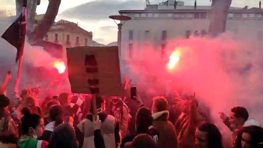 Une manifestation aux airs de rave party dans le centre de Perpignan