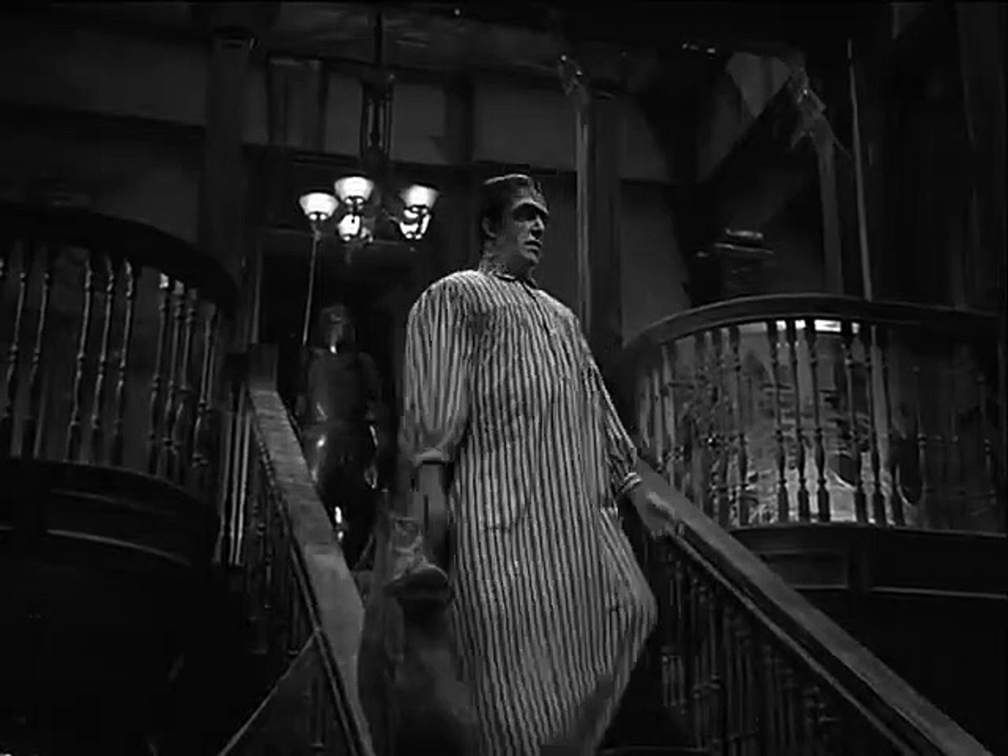 Grandpa's New Wife | The Munsters