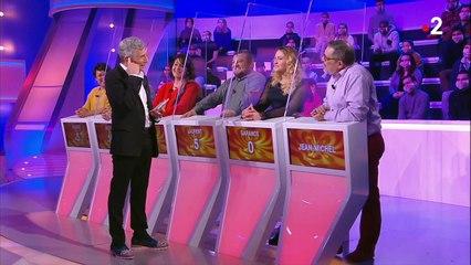 Tout le monde veut prendre sa place : Nagui touché par le cadeau d'un candidat (vidéo)