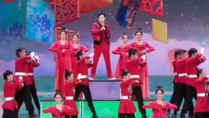 披荆斩棘走过万水千山 张艺兴在炫酷舞台铺开《画卷》