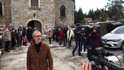 Quentin Dujardin prend la parole après l'évacuation de son concert  à Crupet