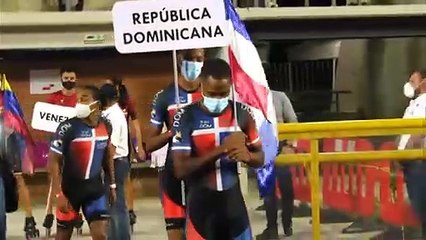 Presentación selección de patinaje dominicano en Ibagué Colombia