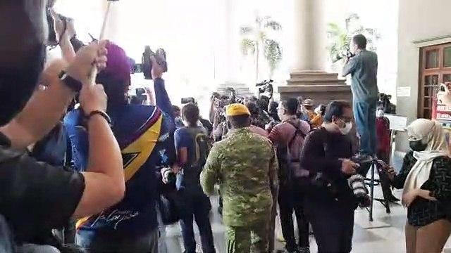 Najib arrives at High Court