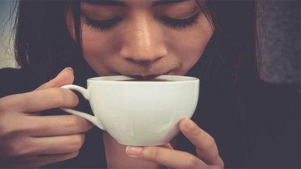 चाय कॉफी पीने से पहले एक गिलास पानी पीना क्यों है जरूरी, जानें वजह | Boldsky