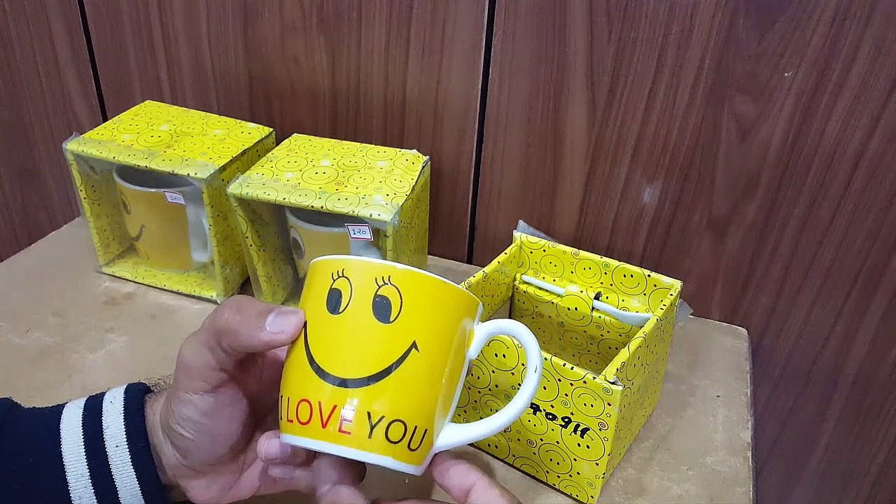 Unboxing and Review of 3 cute emoji coffee mug for gift