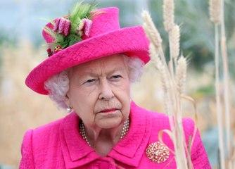 La reina Isabel II se encuentra hundida en una fuerte polémica