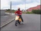 Wheeling en scooter bien longs