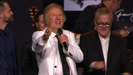 Gaither Vocal Band - The King Is Coming