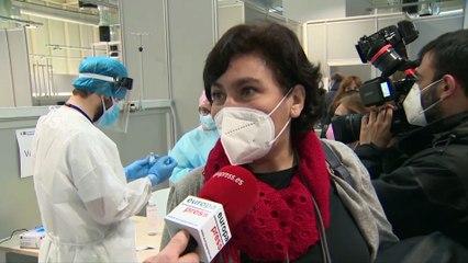 Madrid comienza la vacunación a profesionales en el Zendal