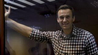 Navalny calls for a 'happy' Russia after losing appeal against prison sentence