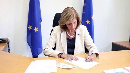 """AstraZeneca """"aspira a cumplir"""" el contrato de vacunas con Bruselas"""