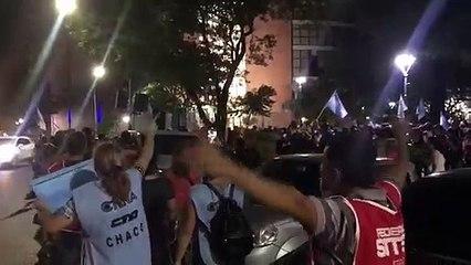 El Frente Gremial y Sindicatos se movilizaron esta noche para reclamar un aumento salarial