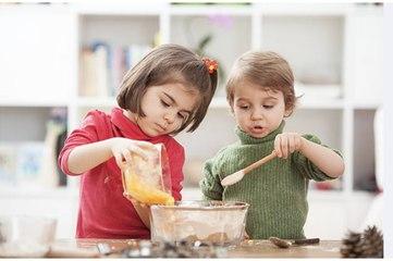 Quelques astuces pour initier vos enfants à la cuisine