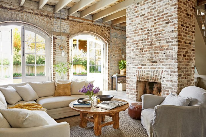 A Thoughtful Renovation Gave This Charming Carriage House a Brand New Life