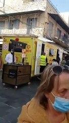 Vacunación contra el COVID-19 en el mercado Majané Yehuda en Jerusalén